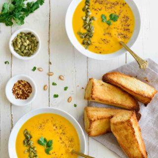 Roasted Butternut Squash Soup- Pepper Delight #pepperdelightblog #recipe #soup #butternutsquash #appetizer #starter #squashsoup #roastedbutternut #wintersquash #fallsoup #vegeterian #wintersoup #healthy #creamysoup #pumpkin
