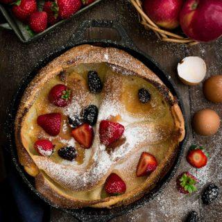 Dutch Baby Pancake- Pepper Delight #pepperdelightblog #recipe #pancake #dutchbabypancake #dutchbaby #breakfast #bakedpancake #pancakemorning #skilletpancake #easybreakfast