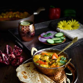 Navratan Korma- Pepper Delight #pepperdelightblog #recipe #navratankorma #korma #kurma #navaratnakorma #kidslunchboxideas #meatlessmonday #vegeterian #curry #easydinner #indiancurry #indianfood #northindianfood #ninegemscurry #healthy #mixedvegetablecurry #diwalirecipes #festiverecipes
